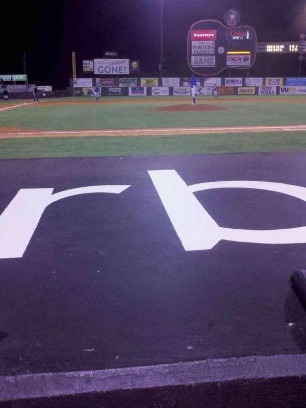 Herschel Greer Stadium, secção: J, fila: 4, lugar: 10