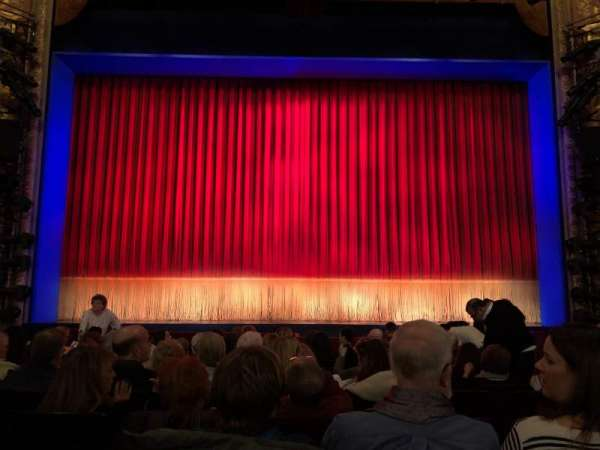 Longacre Theatre, secção: Center Orchestra, fila: L, lugar: 108
