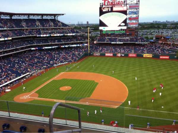 Citizens Bank Park, secção: 413, fila: 4, lugar: 24