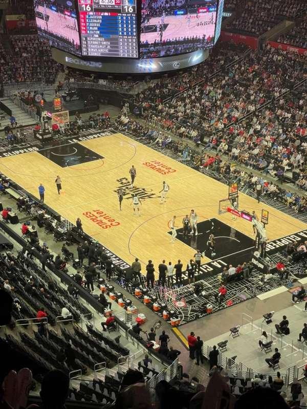 Staples Center, secção: 330, fila: 8, lugar: 7