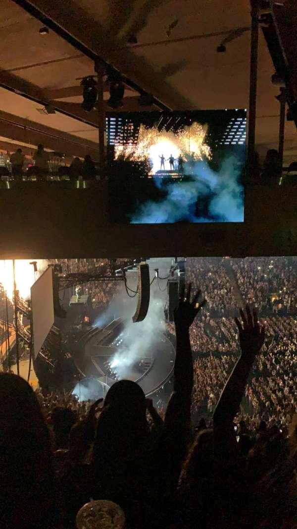 Madison Square Garden, secção: 222, fila: 19, lugar: 20