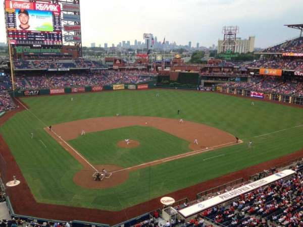 Citizens Bank Park, secção: 319, fila: 1, lugar: 9