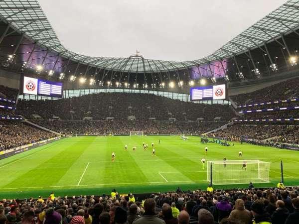 Tottenham Hotspur Stadium, secção: 114, fila: 27, lugar: 405