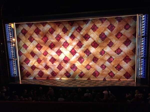 Brooks Atkinson Theatre, secção: Front Mezzanine C, fila: A, lugar: 111