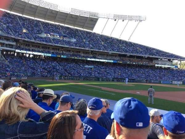 Kauffman Stadium, secção: 138, fila: E, lugar: 10