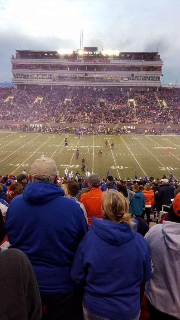 Sam Boyd Stadium, secção: 107, fila: 31, lugar: 3
