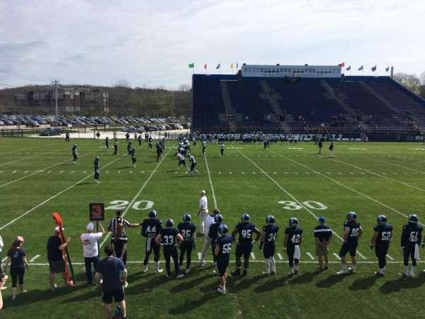 Meade Stadium, secção: 9, fila: D, lugar: 6
