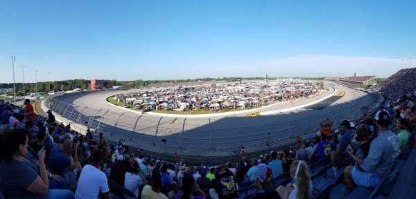 Darlington Raceway, secção: Pearson Q, fila: 19, lugar: 12