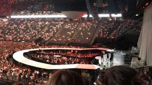 AccorHotels Arena, secção: h, fila: 5, lugar: 10