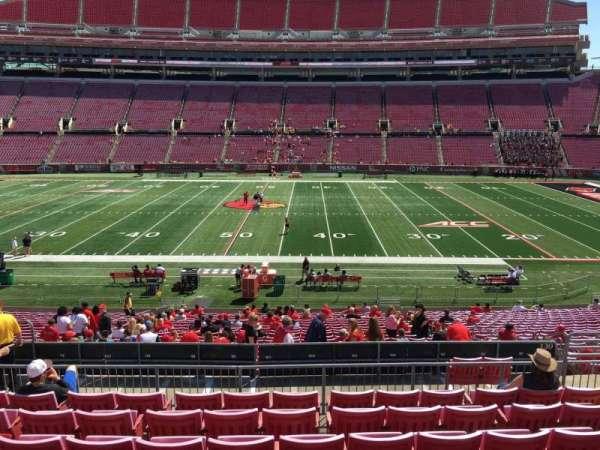 Cardinal Stadium, secção: 230, fila: M, lugar: 110