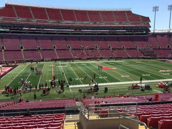 Cardinal Stadium, secção: 233, fila: S, lugar: 3