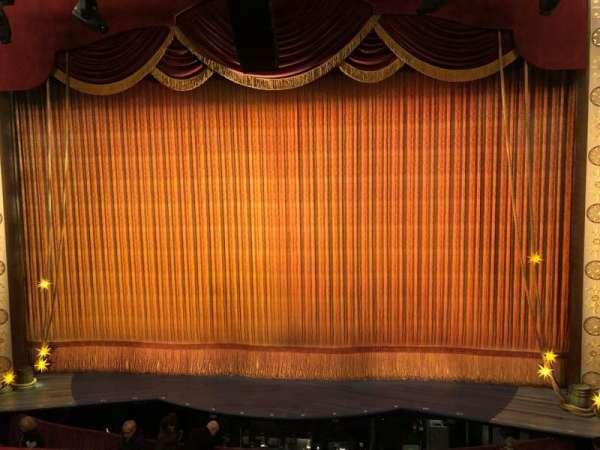 Imperial Theatre, secção: Front Mezzanine 2, fila: A, lugar: 3