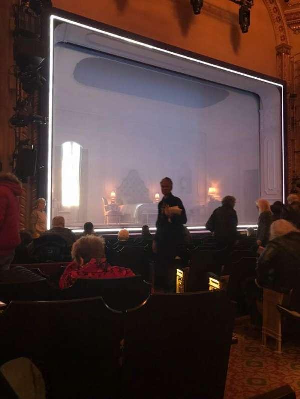 John Golden Theatre, secção: Orchestra Left, fila: L, lugar: 5