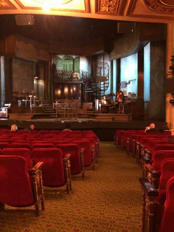 Walter Kerr Theatre, secção: Orchestra R, fila: P, lugar: 2