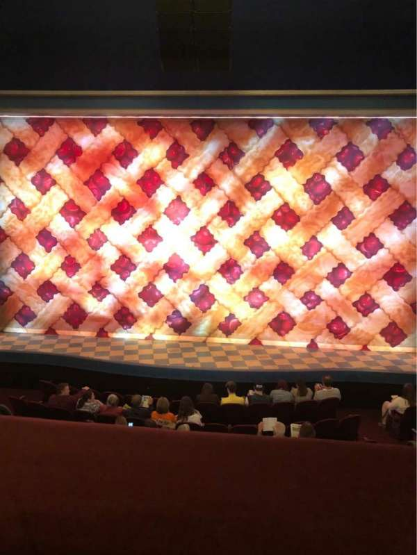 Brooks Atkinson Theatre, secção: Center Mezzanine, fila: A, lugar: 110