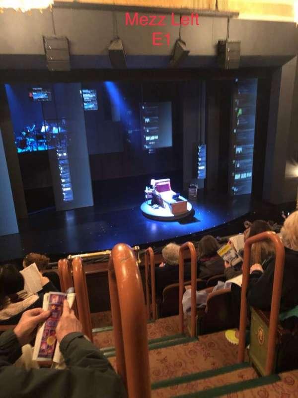 Music Box Theatre, secção: Mezzanine L, fila: E, lugar: 1