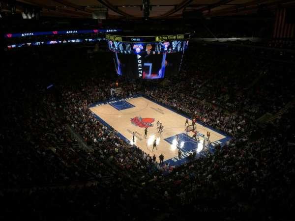Madison Square Garden, secção: 318, fila: 2, lugar: 1