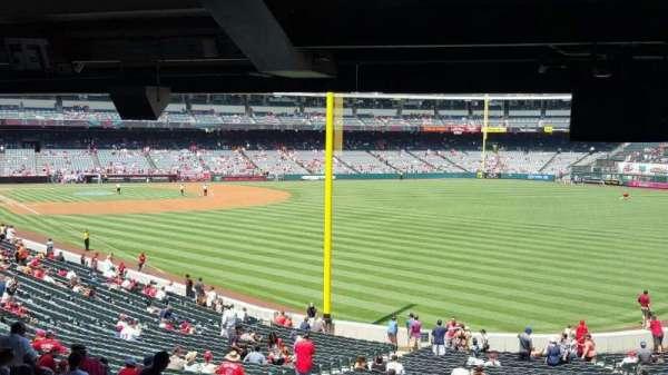 Angel Stadium, secção: T231, fila: SA, lugar: 12