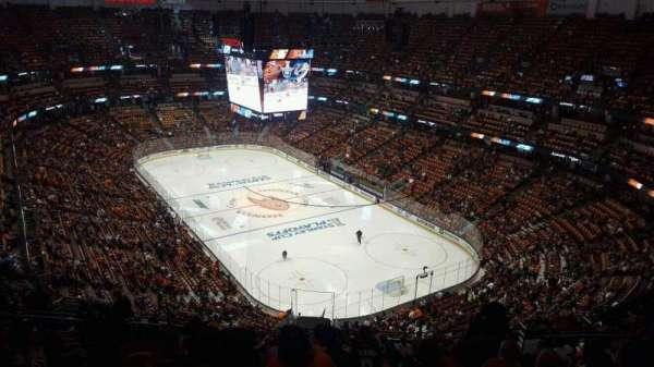 Honda Center, secção: 426, fila: R, lugar: 8