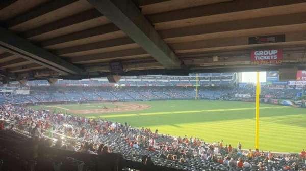 Angel Stadium, secção: T230, fila: SA, lugar: 6