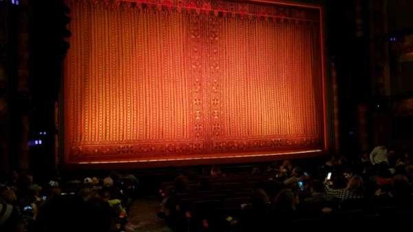 New Amsterdam Theatre, secção: Orchestra L, fila: P, lugar: 1