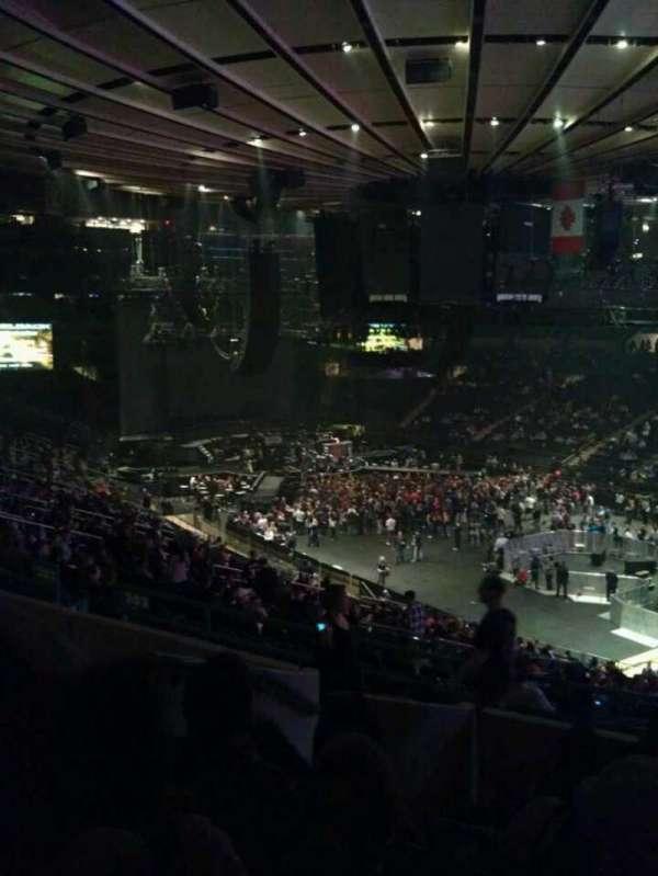 Madison Square Garden, secção: 303, fila: G, lugar: 4