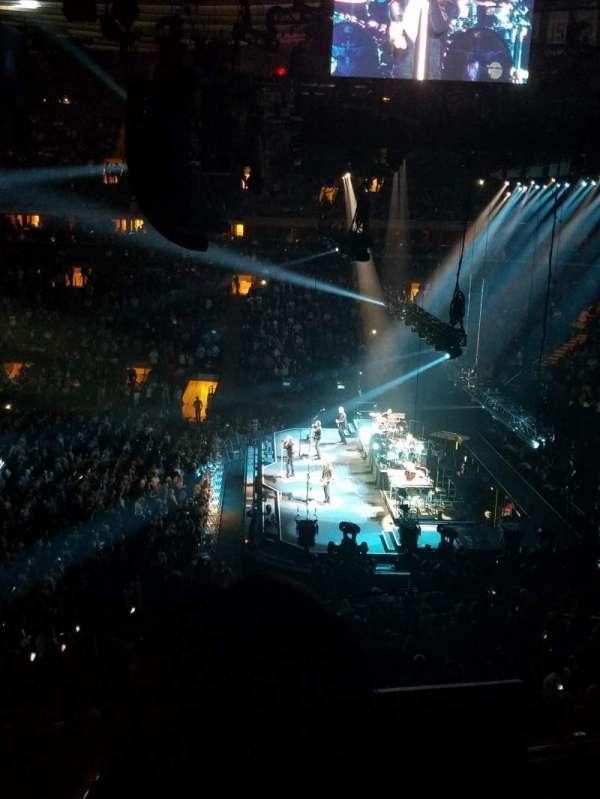 Madison Square Garden, secção: 213, fila: 2, lugar: 1