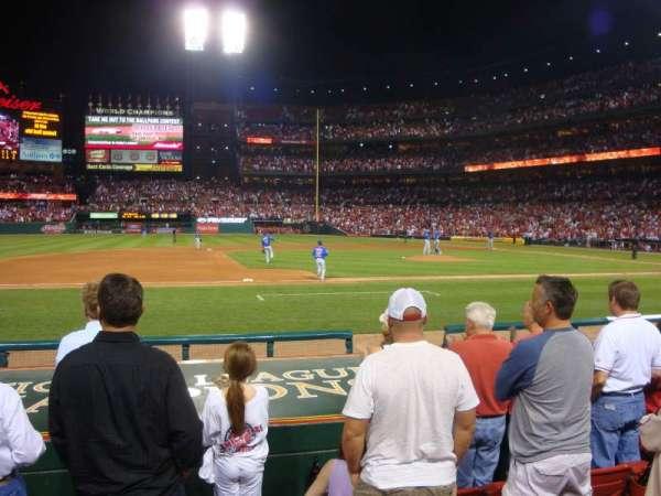 Busch Stadium, secção: 157, fila: H, lugar: 12