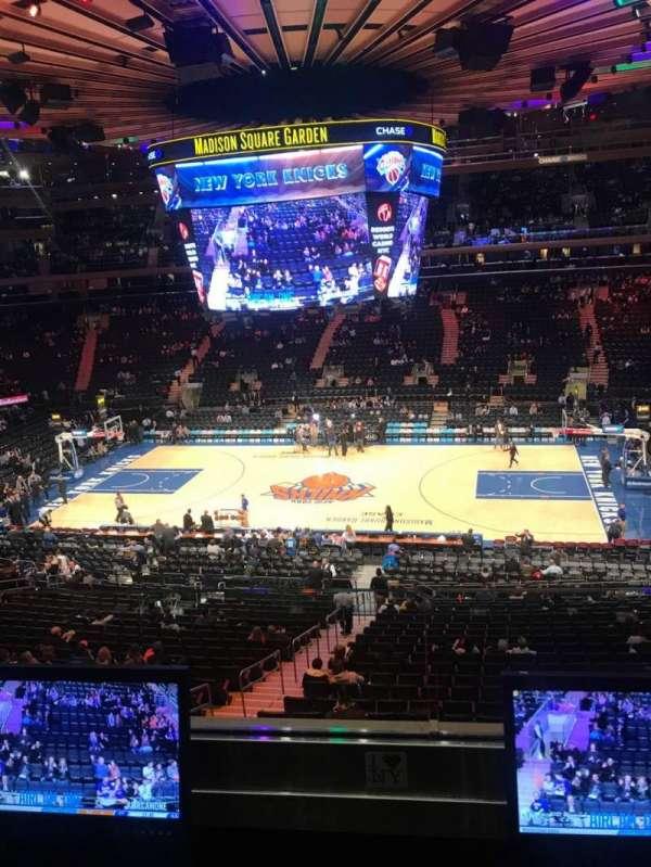 Madison Square Garden, secção: 212, fila: 2, lugar: 7