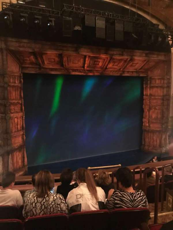 St. James Theatre, secção: Mezzanine L, fila: F, lugar: 7
