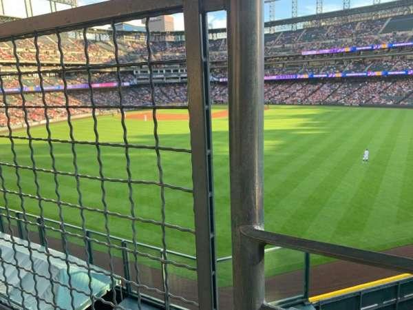 Coors Field, secção: 201, fila: 1, lugar: 9