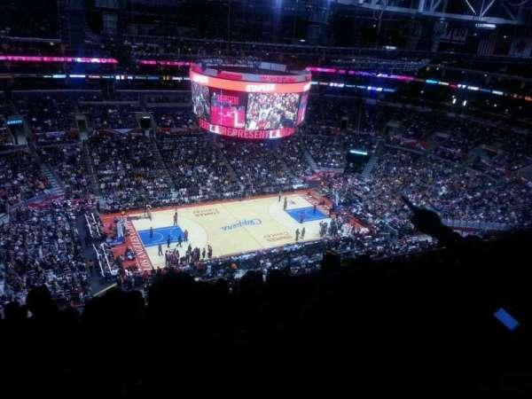 Staples Center, secção: 303, fila: 12, lugar: 10