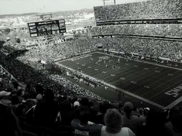Nissan Stadium, secção: 329