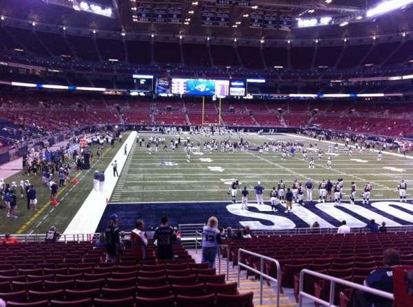 The Dome at America's Center, secção: 130, fila: U, lugar: 2