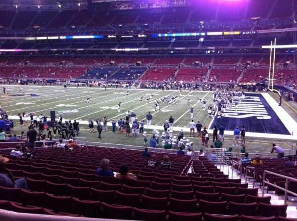The Dome at America's Center, secção: 137, fila: U, lugar: 2