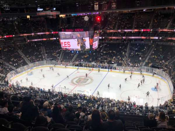 T-Mobile Arena, secção: 225, fila: L, lugar: 13
