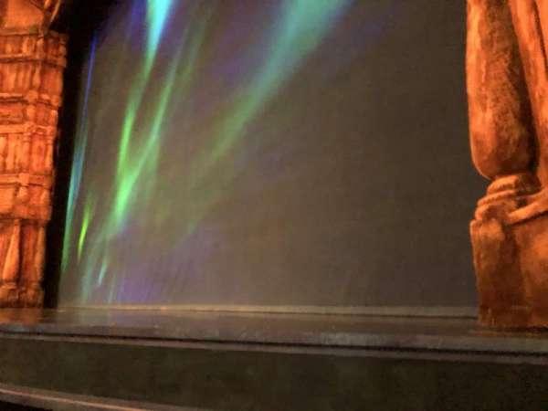 St. James Theatre, secção: Orchestra, fila: A, lugar: 10