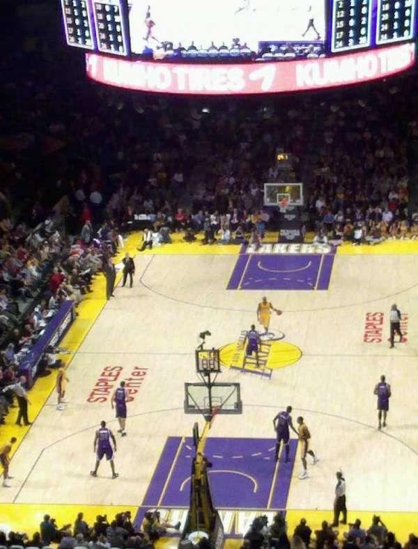 Staples Center, secção: 326, fila: 4, lugar: 2