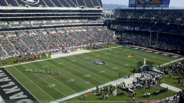 Oakland Coliseum, secção: 322, fila: 16, lugar: 21