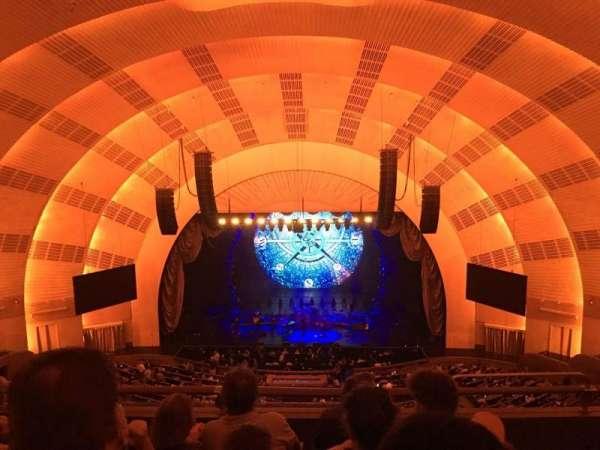 Radio City Music Hall, secção: 401, fila: D, lugar: 402