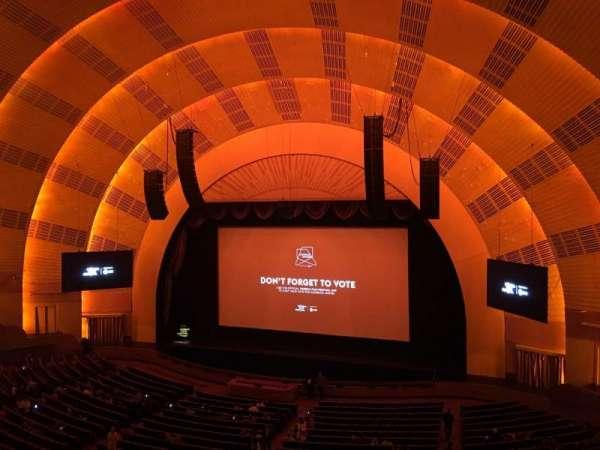 Radio City Music Hall, secção: 2nd Mezzanine 2, fila: A, lugar: 211
