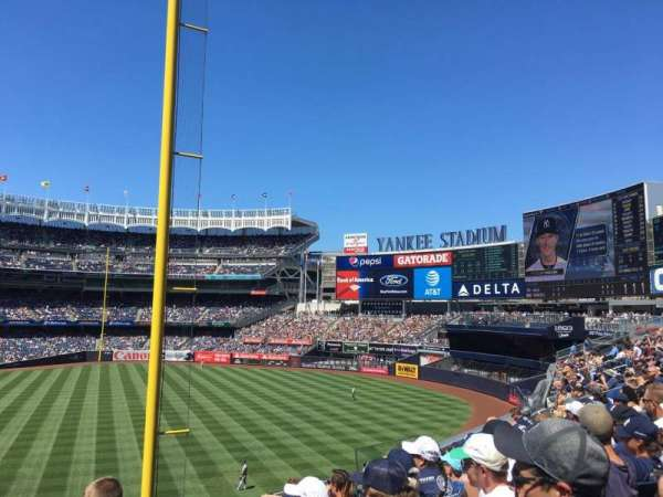 Yankee Stadium, secção: 208, fila: 7, lugar: 13