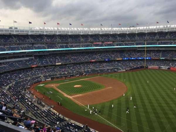 Yankee Stadium, secção: 415, fila: 8, lugar: 9