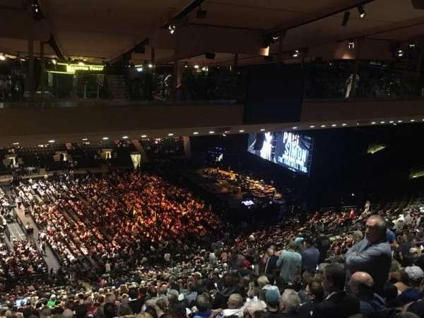 Madison Square Garden, secção: 210, fila: B25, lugar: 1
