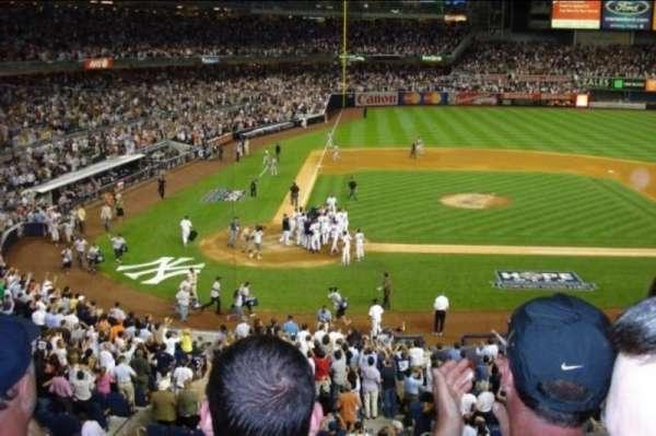 Yankee Stadium, secção: 217, fila: 3, lugar: 5