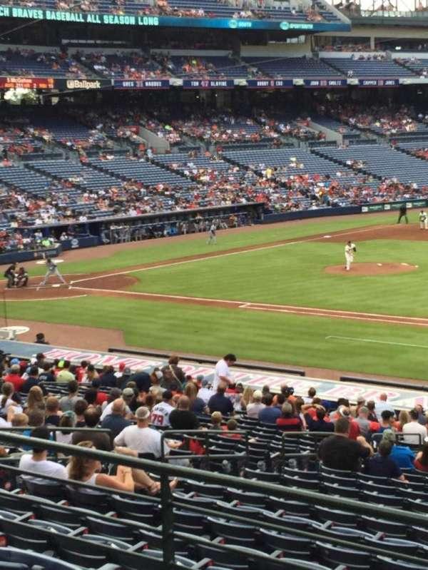 Turner Field, secção: 217, fila: 1, lugar: 101