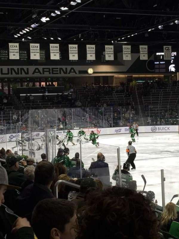 Munn Ice Arena, secção: G, fila: 9, lugar: 4