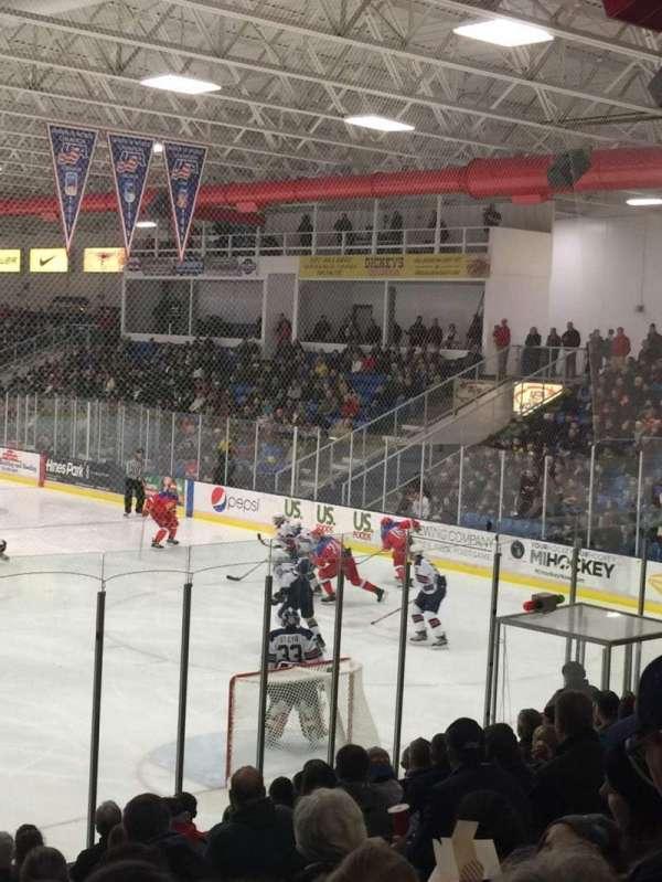 USA Hockey Arena, secção: 119, fila: N, lugar: 6