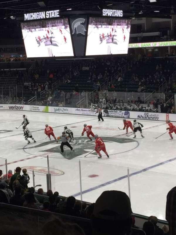 Munn Ice Arena, secção: F, fila: 18, lugar: 13