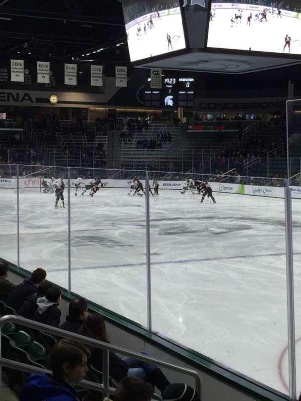 Munn Ice Arena, secção: F, fila: 6, lugar: 1